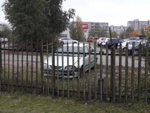 Automobilių aikštelė Pilaitėje. Slaptai.lt nuotr.