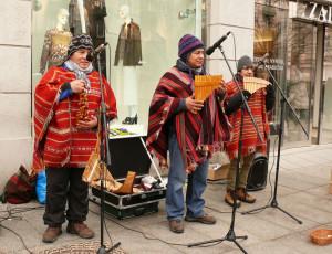Vilniaus centre koncertuoja indėnai. Vytauto Visocko (Slaptai.lt) nuotr.ttt