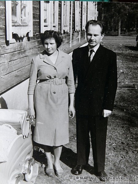 Č.Cemnolonskis su žmona Alytuje