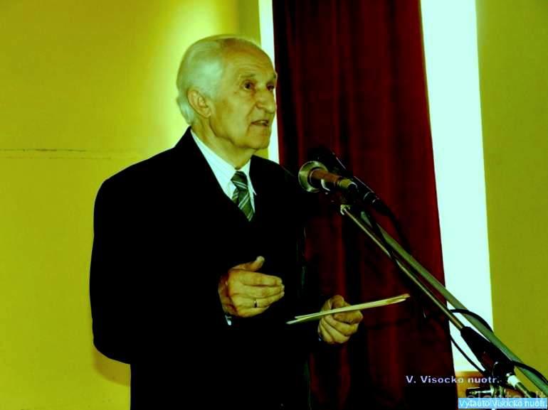 Savanorio iš Kriūkų Kazio Germano 110-ųjų gimimo metinių proga kalba istorikas A. Vaičiūnas