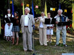 Dainuoja solistas Gediminas Pamakštys