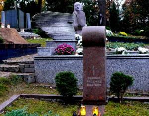 Politinio kalinio, vertėjo Simono Račiūno kapas Antakalnio kapinėse