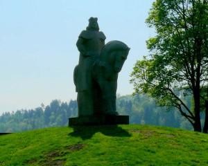 Vytautas Didysis Birštone. Skulptorius Gediminas Jolūbonis
